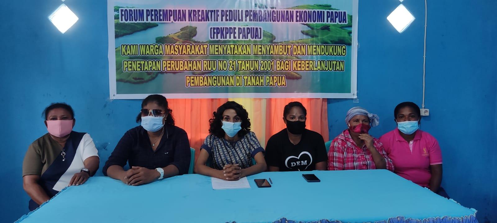 Press conference yang dilakukan oleh FPKPPE Papua.