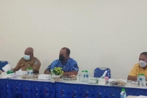 Suasana Rapat Koordinasi Percepatan Vaksinasi Massal Covid-19 yang diselenggarakan oleh Sub PB PON XX Klaster Kabupaten Jayapura.