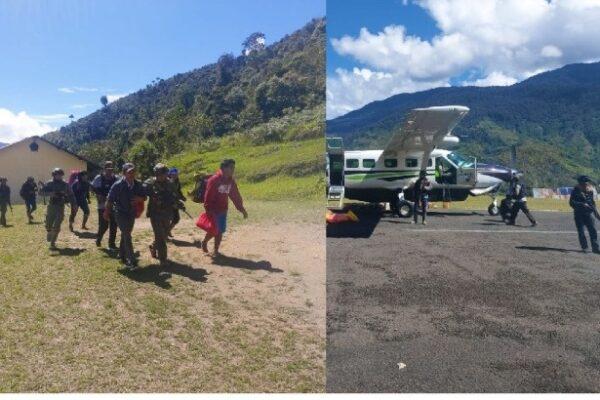 Warga sipil saat dievakuasi Satgas Nemangkawi dari Kiwirok ke Oksibil. (kiri). Pesawat Smart Aviation yang disewa Polri untuk mengevakuasi warga. (Foto : Istimewa)