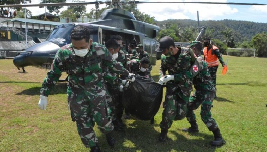 Jenasah Gabriela Meilani dan anggota TNI saat tiba di Makodam Cenderawash Foto Istimewa