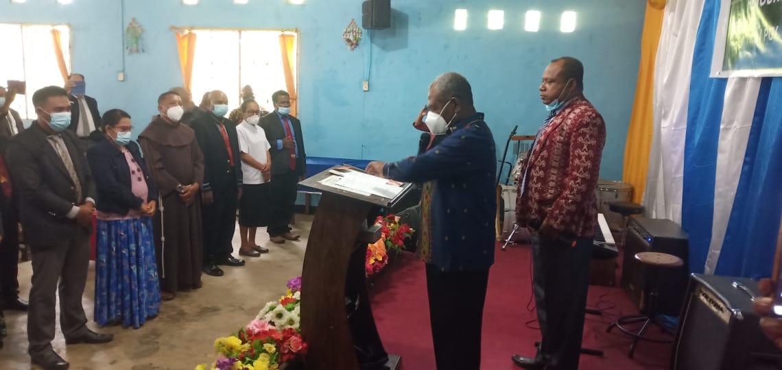 Bupati Jayapura Mathius Awoitauw melantik kepengurusan PGGJ Periode 2021-2024.