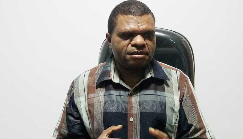 Anggota Komisi IV DPR Papua, Lairenzius Kadepa (foto Tiara).